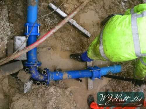 Large bore burst pipe repair